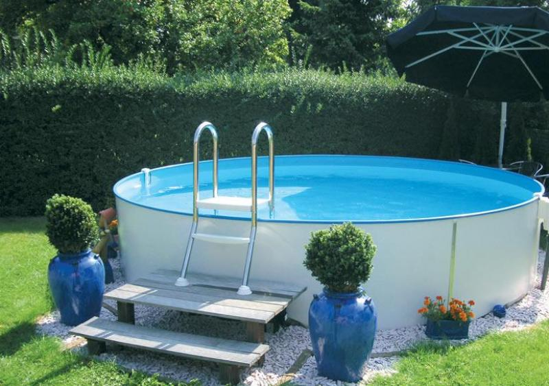 Echelle pour piscine semi enterre astral pool for Piscine semi enterre