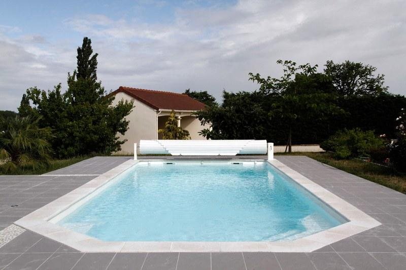 Open no couverture pour piscine automatique abriblue for Ozonateur piscine