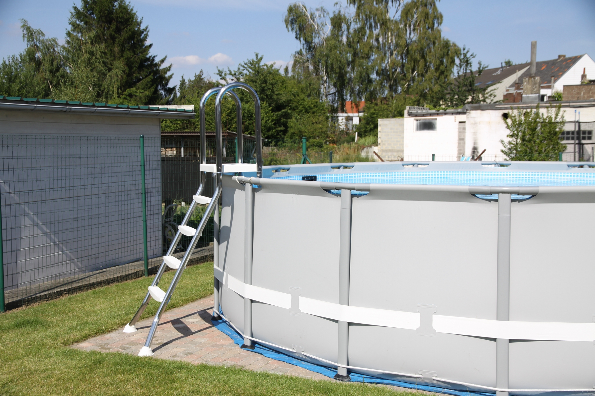 Chelle de piscine en inox astral pool for Piscine hors sol avec toboggan